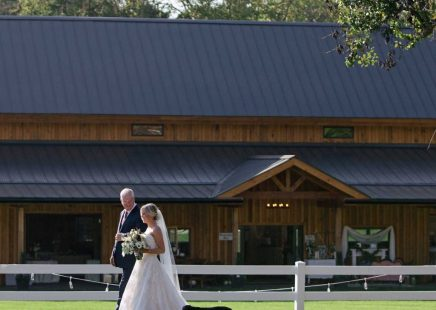 Knox-Venue-North-Carolina-barn-wedding-1024x1024