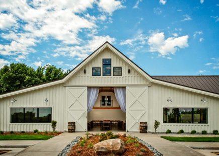bandera-south-dakota-barn-wedding-event-center